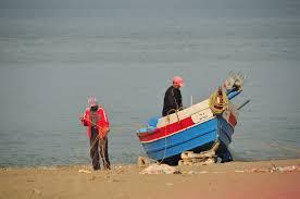 Pêcheurs malgaches sur la plage